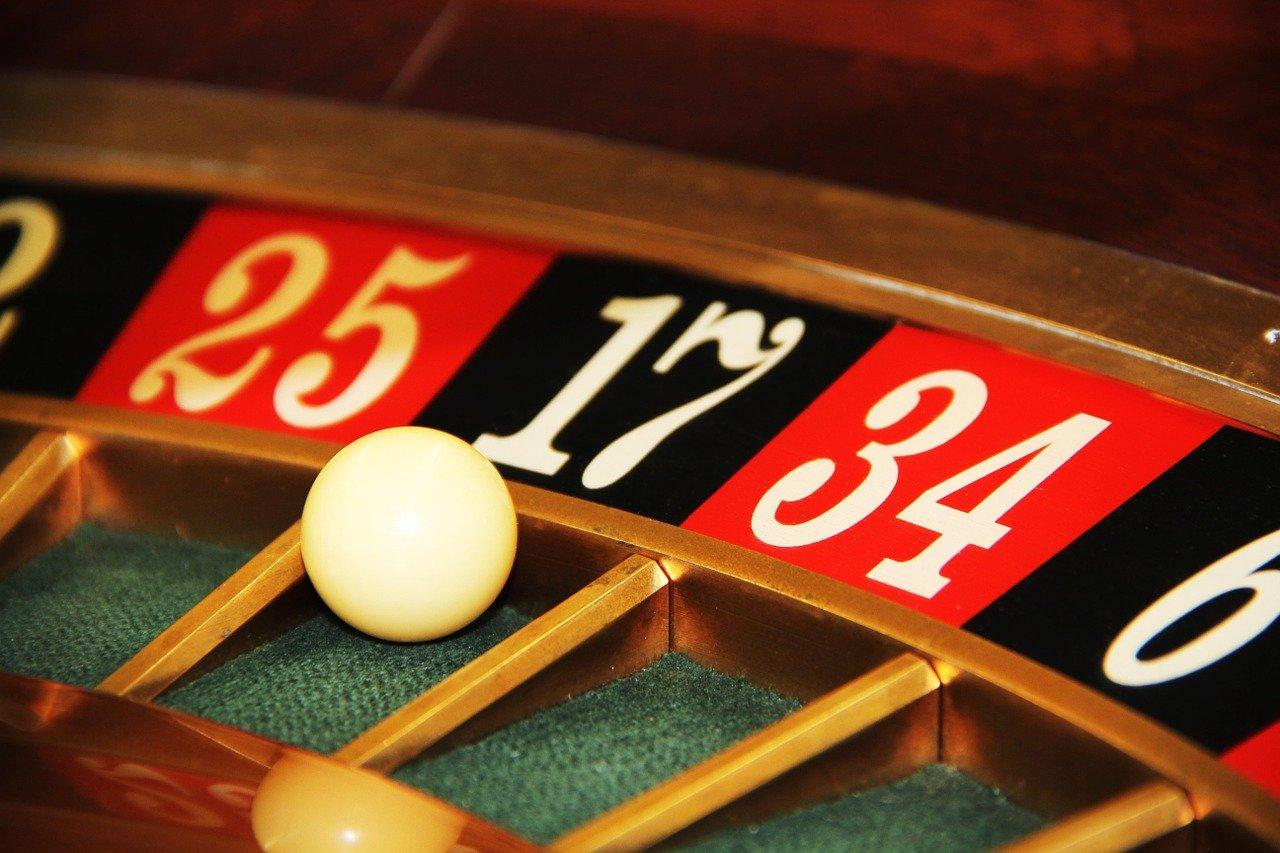 Cua hang casino dot kich